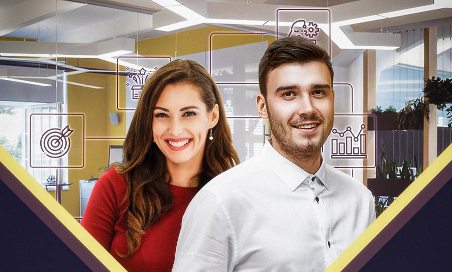 Homem e mulher olhando pra frente e sorrindo, imagem ilustrativa para representar gerentes de projeto